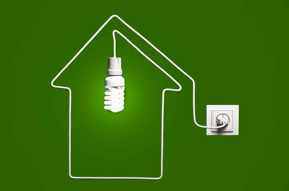 10 formas de ahorrar luz en tu casa familias - Luz pulsada en casa ...