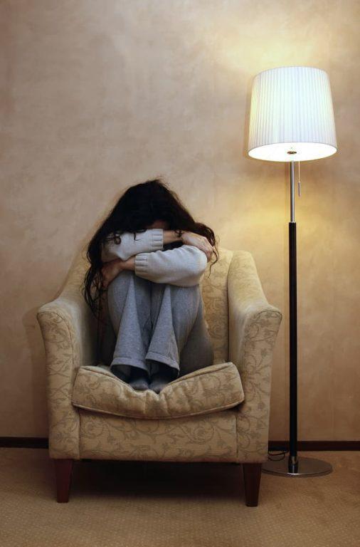 Adolescentes solitarios, padres ausentes | Familias