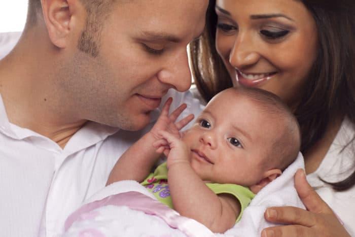 Resultado de imagen de El matrimonio con su primer hijo